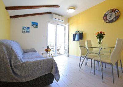 Children's paradise apartments Sukošan Zadar Sunflower apartments (11)
